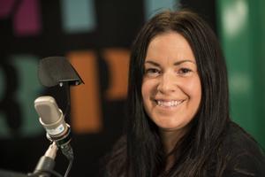 Martina Thun har hörts i radion i drygt 15 år. Just nu leder hon Morgonpasset i P3 och är aktuell med en hundtvodd för SVT.