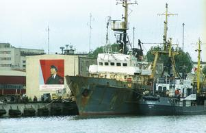 Precis som Nynäshamn är Liepaja en hamnstad. Väggbilden på Lenin var, precis som statyn i stadens centrum, en symbol för den sovjetiska ockupationsmaktens förtryck. Foto: Torbjörn Carlsson