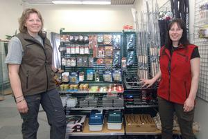 Det har varit långa dagar ett tag för Veronica Storm och Anna Östlund som på lördag öppnar sin butik, Jakt & Hundcenter, i Alfta.