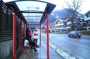Bussåkandet under vissa turer på Länstrafikens linje 157 mellan Duved-Åre-Järpen har minskat rejält sedan i fjol. En anledning tycks vara att turerna inte längre passar med folks arbetstider. Foto: Elisabet Rydell-Janson
