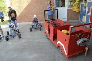 Lådbilarna blev direkt populära av de barn som deltog vid Childrens Upptäckarhusets invigning.