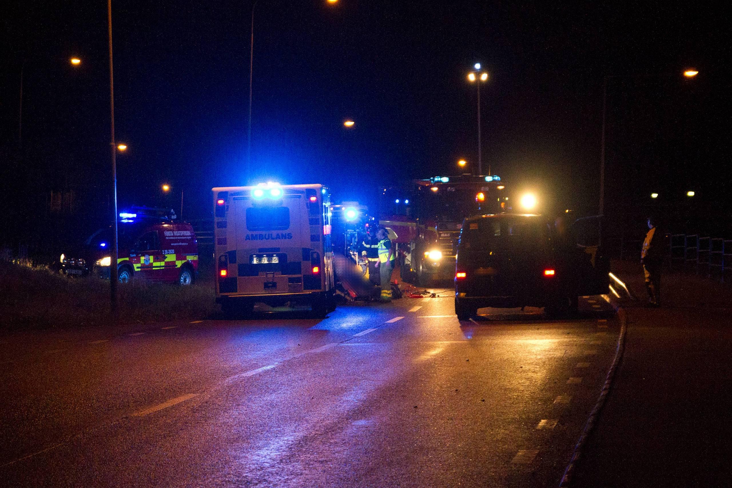 Motorcyklist dog efter krock med personbil
