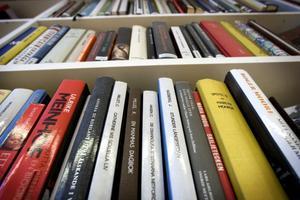 Ett av målen med biblioteksverksamheten 2010–2014 är att läs- och skrivförmågan ska öka bland kommuninvånarna.