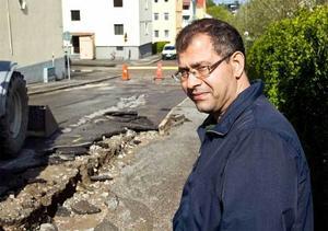 Hussein Abusagr möttes av sprutande vatten när han kom hem i från jobbet på fredagsmorgonen.