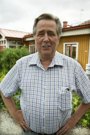 Den 29 juni fyllde Rolf Winther 65 år, den 30 juni gick han officiellt i pension. I går avtackades han vid Bollnäs brandstation.