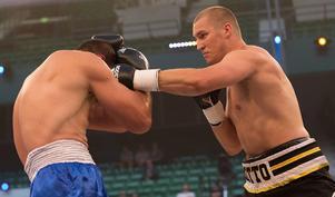 Otto Wallin golvade Maksym Pedyura i den fjärde ronden.