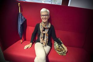 – Även om det är mycket mörker i boken så har jag skrivit den med glädje, säger Ulla Englsperger som är född i Boden men som bosatte sig i Jämtland 1966.