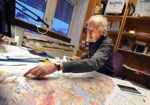 Planeraren Arne Nedstam arbetar med kommunens översiktsplan för vindkraft.