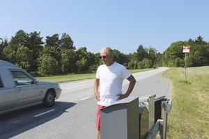 Peter Gamba tycker att Grisslehamnsvägen är farlig.