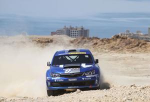 Patrik Flodin toppar grupp N i VM-rallyt i Jordanien inför dagens åtta avslutande sträckor,