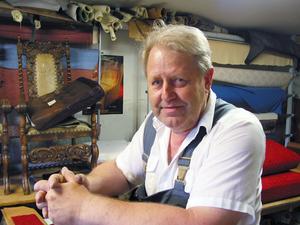 Ville Berglund har sedan starten 1989 aldrig haft någon anställd. Däremot har han tagit emot flera lärlingar.