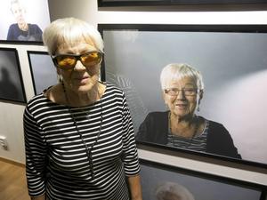 Birgit Strid, 90, vid sitt porträtt.