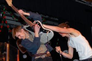 Gruppen Knäspark med gitarrgurun Simon A Ljungberg bjöd på en ny låt.
