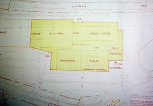 Alternativ 2 är inritat på parkeringen nedanför skidstadion och Litsvägen och ger sambandsfördelar med skidstadion intill, men omfattande utgrävningar måste till enligt projektledaren