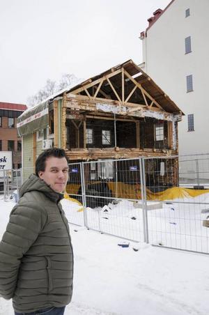 Linus Ekqvist menar att staden behöver en mix av både bostadsrätter och hyresrätter. Här bygger man det senare.