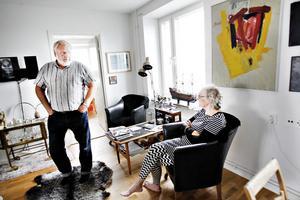 – Jag tycker vi ska ha kompensation eftersom vi betalat över 10 000 kronor i månaden och inte kunnat använda nio kvadrat av lägenheten, säger Börje Hallberg och Inger Jonsson håller med.