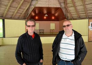 Folkets hus föreningen satsar på barnteater och dans i Folkets park i sommar. Den största satsning föreningen gjort på många år, berättar Benga Gräsberg och Roger Paulin.
