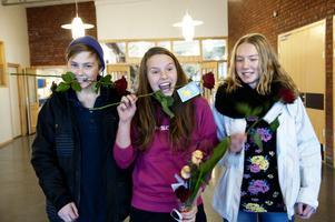 Glada medaljörer: Jonas Gustafsson, Erika Edman och Matilda Melén.