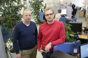 Hallå – var finns ni? Ungefär så säger Mats Skalberg och Patrik Åvestrand på ICT i Ljusdal när det gäller sjuksköterskor och farmaceuter som behövs när företaget nyanställer.