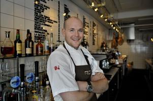 stjärnkock. Johan Jureskog har bland annat varit med i kocklandslaget och tagit OS-guld i matlagning, blivit utnämnd till Årets Rising Star och fått Wedholmsstipendiet. Han har också lagat mat i Förkväll på tv.