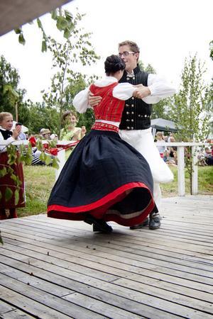 Årets segrande par, Karin Erhardsson och Mikael Eriksson har dansat Hälsingehambon fyra gånger. Och vunnit tre av dessa.