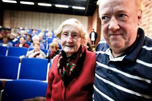 Olle Haglund återsåg Brita Wikström, 88, Näsberg, Korskrogen, som var hans barnflicka i prästgården i Färila för 68 år sedan.