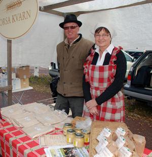 Esbjörn och Siv Ulvenvall hade en lokalvara, mjöl från Orsa Kvarn, som även utgjorde ingrediensen i tunnbröd bakat i Rättvik.