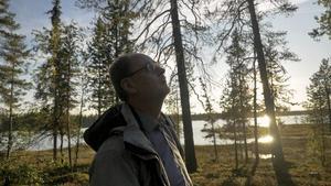 Clas Svahn är vice ordförande i UFO-Sverige som samlat allmänhetens observationer på UFO-fenomen sedan 1970-talet.   Foto: SVT