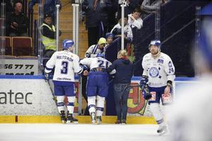 Mattias Ritola fick ledas av isen i den andra perioden mot Malmö. Han kunde inte stödja på sitt vänstra ben, där han tidigare också varit skadad. Mot Frölunda den 28 februari fick också Ritola ledas av isen.