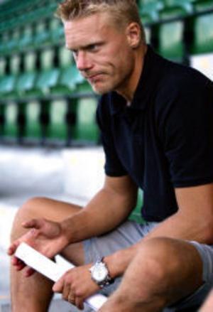 Giffarnas Fredrik Sundfors är kritisk till att Sundsvall inte fått klart med fler nyförvärv. Än så länge är det bara lånet Tomas Backman från Djurgården som anslutit under sommaren.