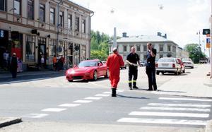 Efter olyckan backade föraren upp på Oxtorgsgatan.