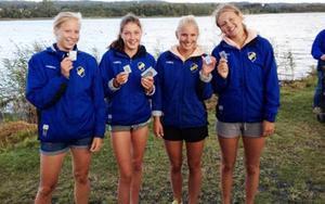 Sofie Näslund, Vendela Kühne, Evelina Höglund och Johanna Kühne tog silver i D18 på SM i Jönköping.