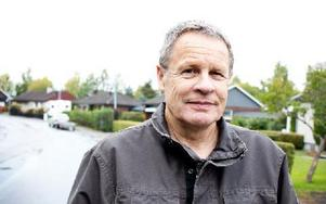 Billy Gränshagen är pensionerad polis och har fått nog av fartdårarna. Foto: Sofie Lind