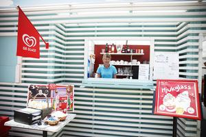 Sir Winston Square har bytt inriktning och kommer i sommar att erbjuda mycket glass, lättare luncher och våfflor.