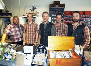Ett laddat gäng redo att hjälpa länets jägare. Från vänster Gunnar Karlstedt, Andreas Dahlbom, Kevin Kirk, Christer Lundemo och Mattias Eriksson.