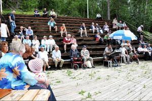 Publiken hade det gott i solen.