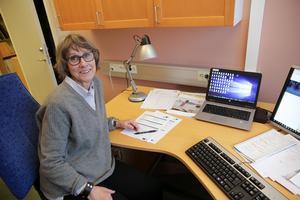 Lena Norrström hoppas att man får många kandidater att välja bland när priset bestående av diplom och 10 000 kronor ska delas ut för första gången.