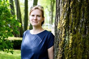Maria Markenroth Nordström är uppväxt i Bankeryd och bor i Jönköping. Hon arbetar som kommunikatör på Jordbruksverket.