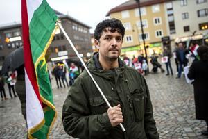 Mustafa Acar, ordförande i Kurdiska föreningen i Örnsköldsvik, var nöjd över uppslutningen på Stora torget.