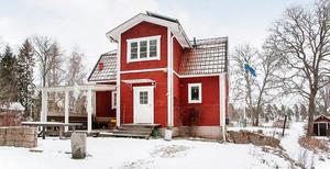 Den röda trävillan är populär på Hemnet.Foto: PAX Fastighetsmäkleri