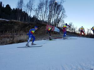 Emil Danielsson från Högbo GIF längst till vänster. FOTO: LARS WALLIN