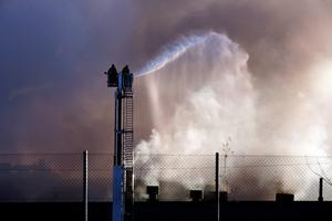 Branden på Sandvik var svårsläckt. Foto: Lasse Halvarsson