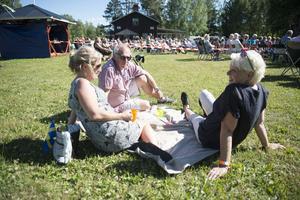 Bo Lagergren, Birgitta Wikström från Nya Zeeland och Lena Jonsson.