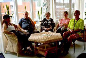 Ann Lindberg, Leif Sjöberg, Kerstin Berglund, Maria Bäck och Gamil Marzouki värnar om gemenskapen i huset.