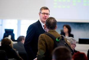 Regionrådet Erik Lövgren (S) gör sitt näst sista regionfullmäktige. Han avgår efter valet.
