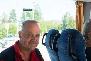 Thomas Hjul, närboende, är nöjd med de nya bussförbindelserna.
