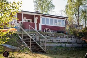 Ålhammarsvägen 52 vid Hällarna har sålts för 1 475 000 kronor.
