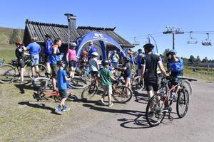 Cykling är en stor sommaraktivitet på Idre Fjäll och här en av Friluftsfrämjandes många sommaraktiviteter.