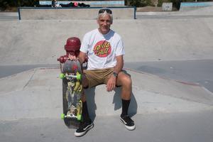Robert Sjöberg. Santa Cruz är ett av de första skateboardmärkena som överlevt.