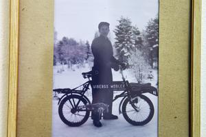 En gång i tiden cyklade man runt med beställningar på byn.